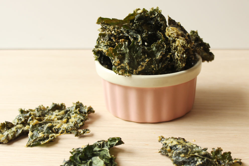 Cheesy Dill Kale Chips4 min read