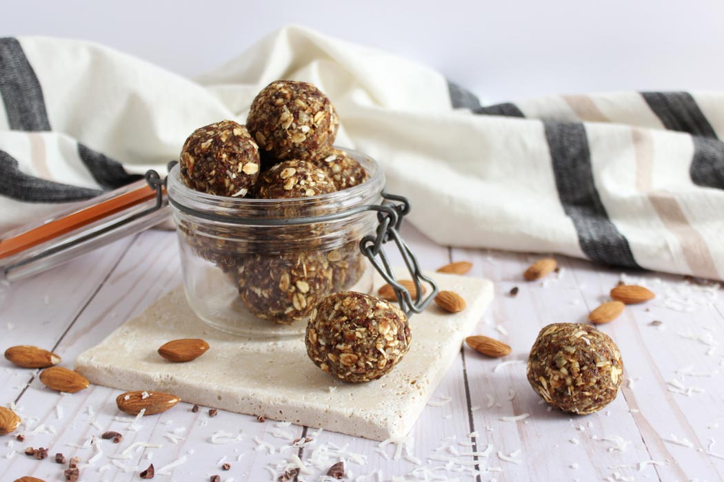 Chewy, Grain & Sugar Free Energy Balls