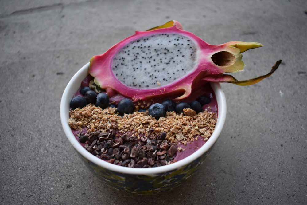 beet smoothie bowl