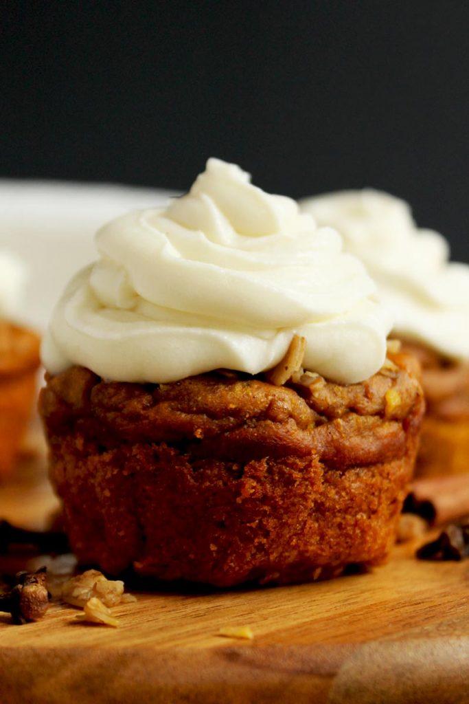 Healthy pumpkin spiced blender muffins