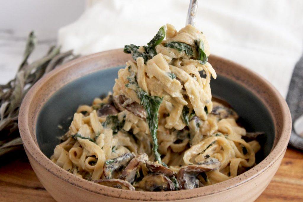 Cashew cream pasta sauce