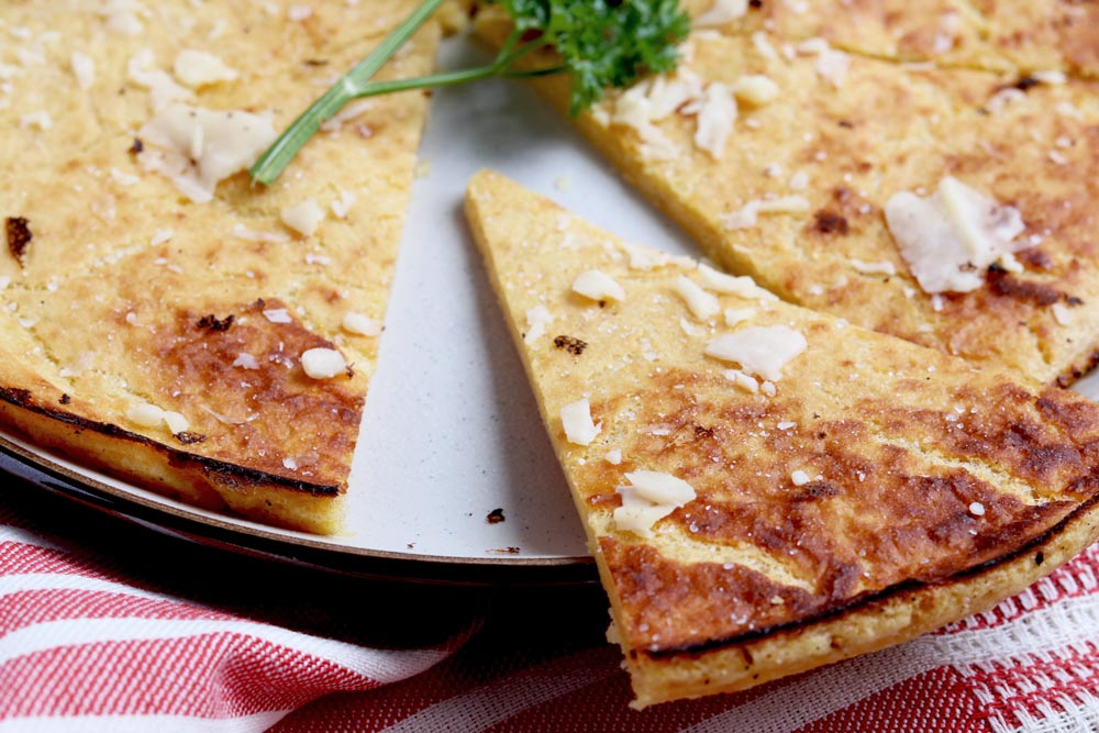 10 Minute Garlic & Herbed Grain-Free Flatbread Recipe (socca)