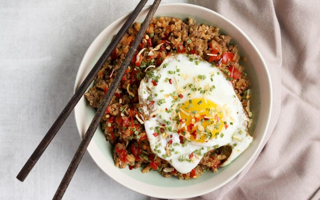 15 Minute Paleo Cauliflower Egg Fried Rice