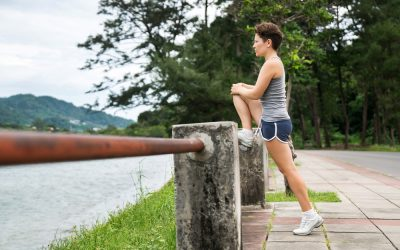 5 Stretches To Do Before A Run To Avoid Knee Injury