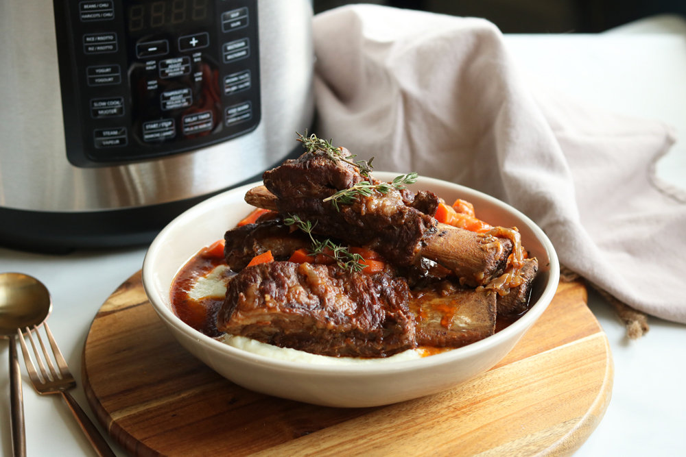 Crock-Pot Express Pressure-Cooked Balsamic Short Ribs with Cauliflower Mash (Paleo)