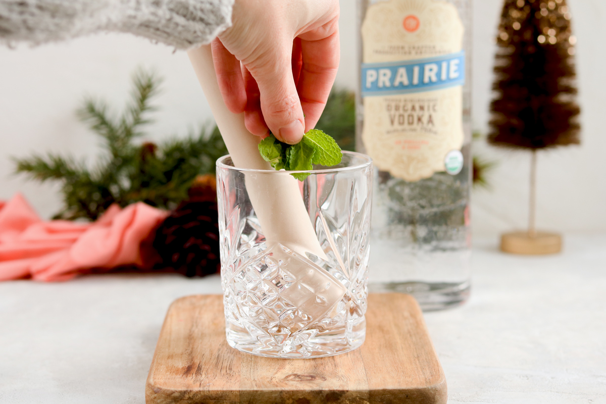 Prairie-organic-vodka-recipe-with-mulled-mint-kombucha-and-bitters-#montenegro-#organicvodka-#healthycocktail