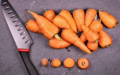 Vegetable power: Do carrots help you see in the dark?